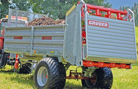 Gruber Stallmiststreuer und Ladewagen