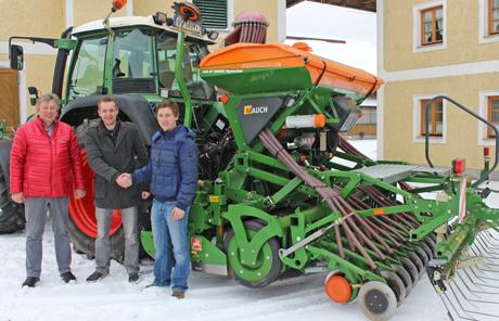 Amazone AD-P Spezial 3000 mit dem Kreiselgrubber KX 3000 -Familie Steiner aus Hochburg Ach