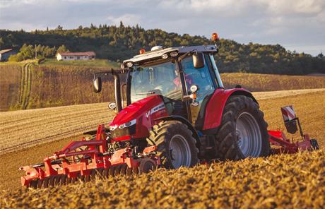 MF 5700 SL ist ein perfekter Allrounder und Traktor des Jahres 2016