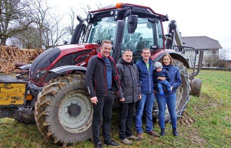 Valtra N114H5 – Familie Niederberger aus Walding in Urfahrumgebung